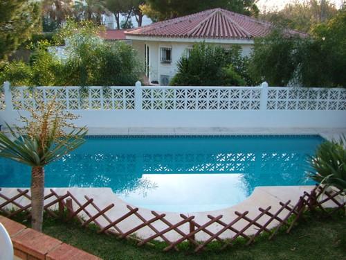 - Maison de vacances avec piscine prot�g� pour les enfants, 250m de la plage, � Marbesa, Marbella, � louer