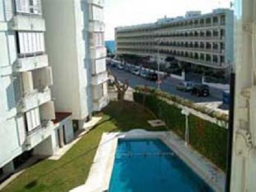 - Holiday apartment for 5 persons in Lloret de Mar, Costa Brava, just a few meters from the beach.