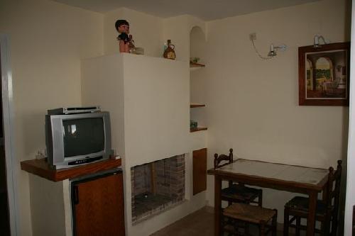 - Quiet Holiday Apartment, sleeps 5 in Sant Antoni de Calonge, Palamos on the Costa Brava for rent