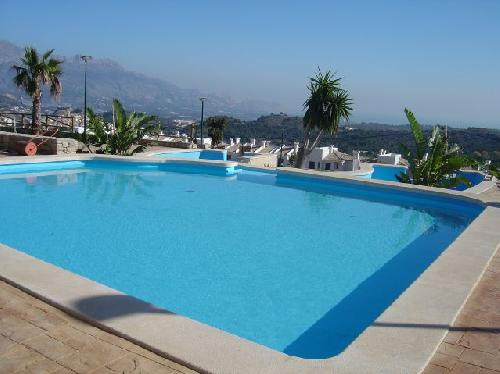 - Cottage for 8 - 10 people with shared pool in Mirador del Polop, Benidorm, Costa Blanca