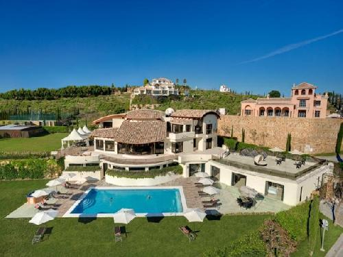 MARBELLA holiday vilal to let with private tnnis court