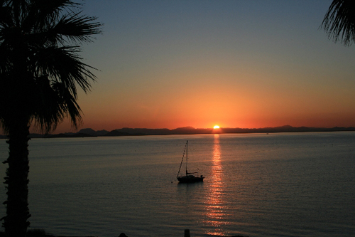 Apartment ON the beach in La Manga. The sunsets are allways beautiful