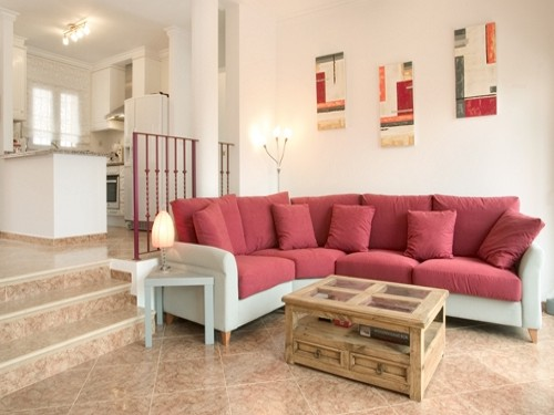 - Holiday accommodation with 3 bedrooms, private pool near Calpe, Costa Blanca, Spain to rent