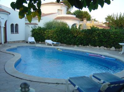 - Holiday house with 3 bedrooms, private pool, 3km from the beach in L'Ametlla de Mar, Costa Dorada