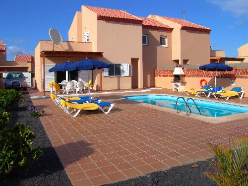 - Holiday in a villa with private pool in the villa park Oasis Papagayo, Fuerteventura