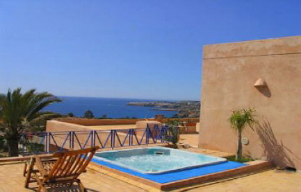 - Holiday villa with 17m private swimming pool, Ibiza, Spain for holiday lettings