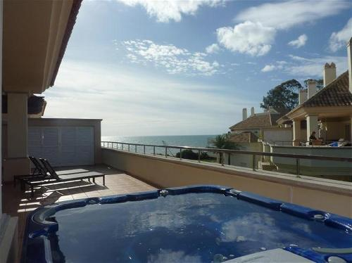 Penthouse with jacuzzi in Guadalmansa, Marbella
