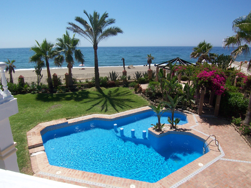Beach villa for rent Marbella