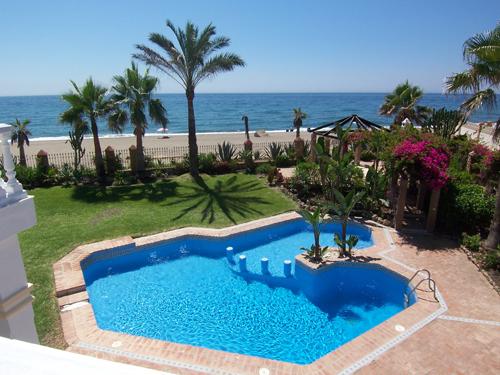 Beach villa for rent Marbella
