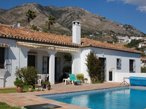 Mijas holiday villa to let with private pool