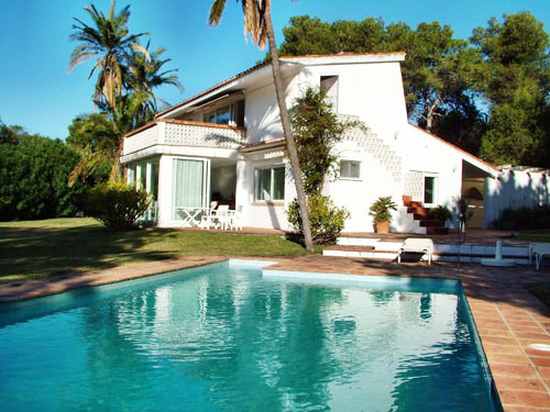MARBELLA holiday villa to let with private pool