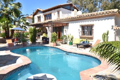 Holiday villa, El Saladillo, Estepona