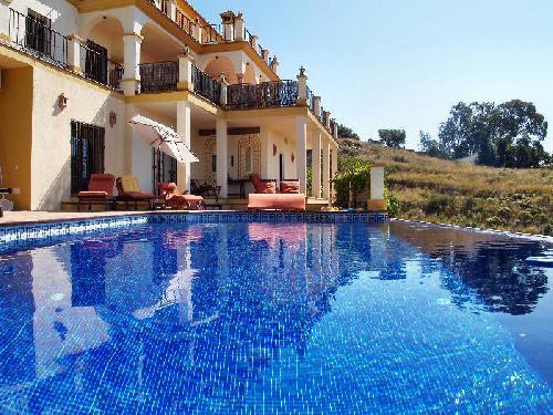 c8cbba644b0ce Villa con piscina privada en Mijas