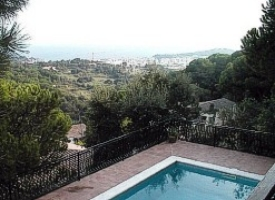 - Holiday house, fantastic sea view, private swimming pool in Lloret de Mar, Costa Brava