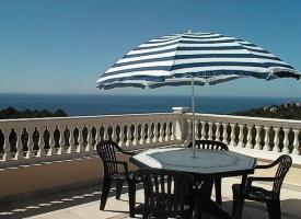 - Holiday villa, 4 bedrooms, private pool, sea view, Canyelles, Lloret de mar, Costa Brava