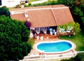 - Exclusive holdiday house , private pool, sea view in Canyelles to rent