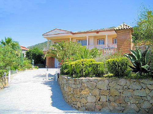 - Dream Holiday villa with swimming pool, aircondition, beachside, Palau-Savedera, Roses, Costa Brava