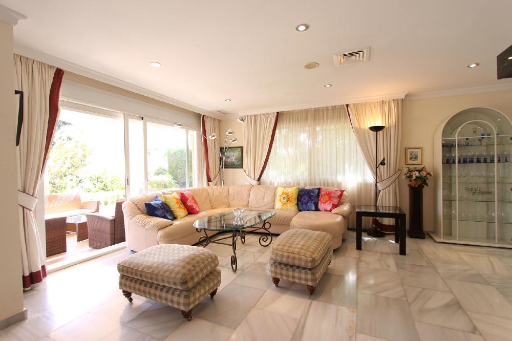 - uk.holiday-locations.com, Holiday rentals, accommodation, villa, houses, apartments, Spain