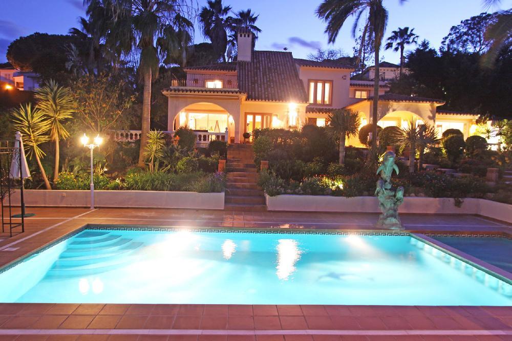 Luxus Villa Puerto Banus Marbella Beheizten Pool 6 Schlafzimmer