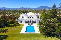 Villa de luxe PIEDS DANS L EAU, piscine chauff�e, sauna, jacuzzi, Guadalamina Baja, Marbella, Costa del Sol